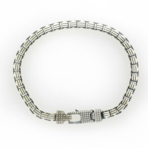 This Sterling silver bracelet's links are a box pattern.