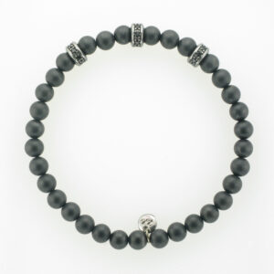 This bracelet is made up of faceted black onyx breads.