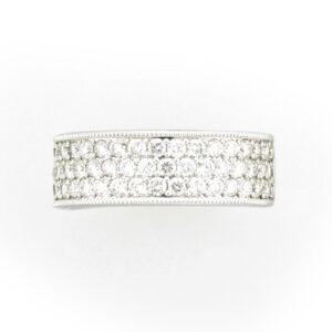 band has three rows of 52 pave set diamonds that have total weight of 1.0 carats and a rating of FG/SI.