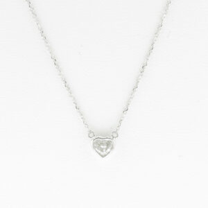 This 18 karat white gold diamonds by the yard is 16 inches long and has a total carat weight of 0.18.